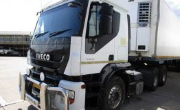 01 Iveco Mechanical Horse