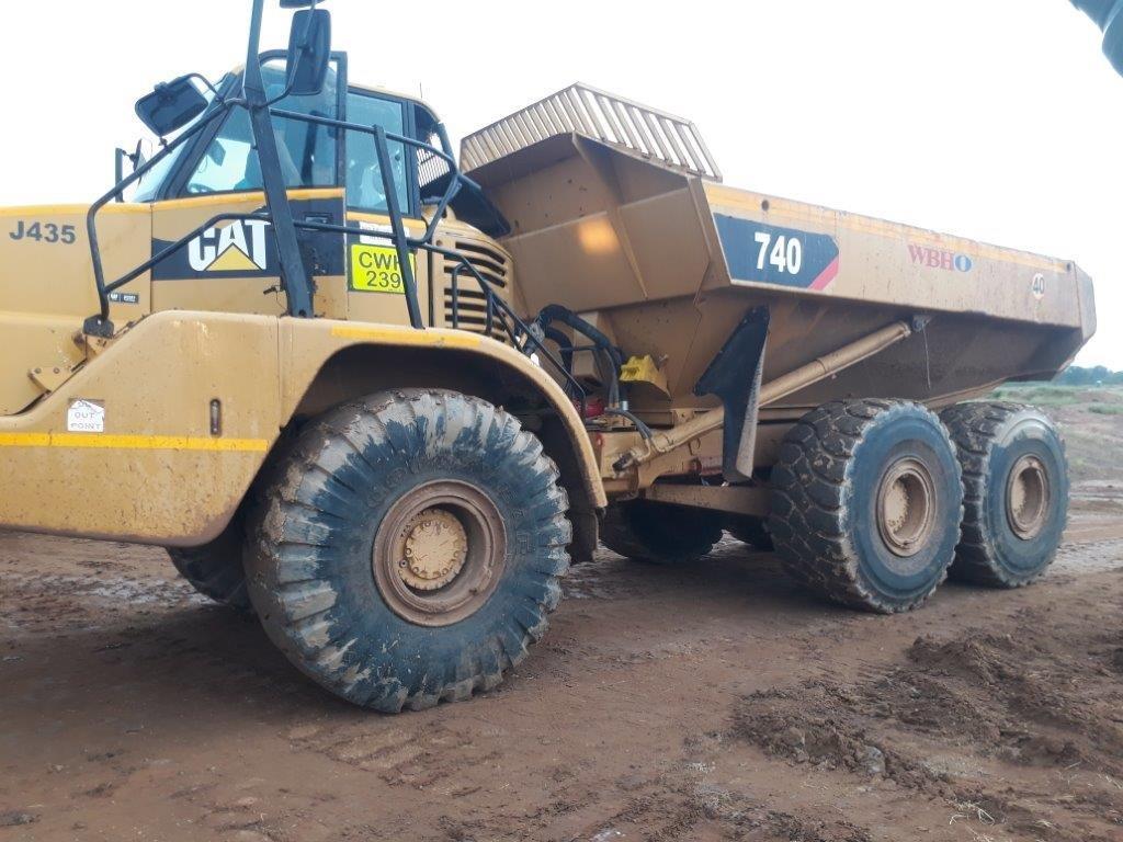 2010 Caterpillar 740 Articulated Dump Truck